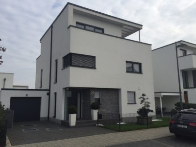 RiedbergImmobilien_freistehendes_Einfamilienhaus_Quartier_Altkoenigblick_Hausansicht2