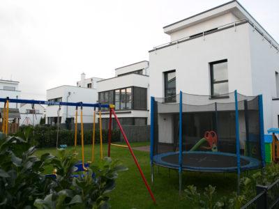 RiedbergImmobilien_freistehendes_Einfamilienhaus_Quartier_Altkoenigblick_Garten
