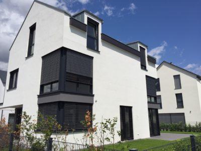 RiedbergImmobilien_freistehendes_Einfamilienhaus_Quartier_Altkoenigblick_Gartenansicht