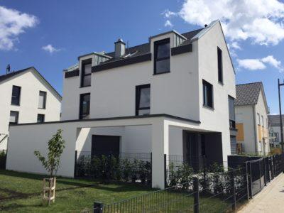 RiedbergImmobilien_freistehendes_Einfamilienhaus_Quartier_Altkoenigblick_Hausansicht