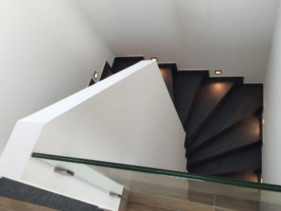RiedbergImmobilien_freistehendes_Einfamilienhaus_Quartier_Altkoenigblick_Treppenaufgang