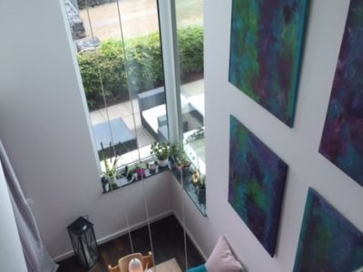 RiedbergImmobilien_Wohnung_Skylineblick_Quartier_Schoene_Aussicht_Essbereich