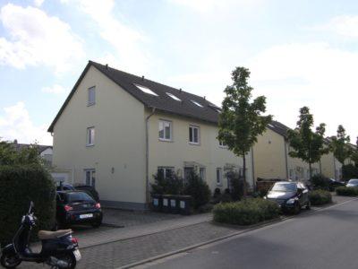 RiedbergImmobilien_Doppelhaus_Quartier_Schoene_Aussicht_Hausansicht_2